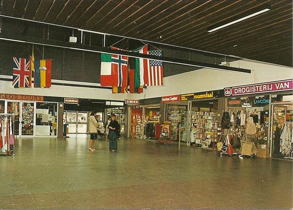 Hoofddorp, winkelcentrum Markthof